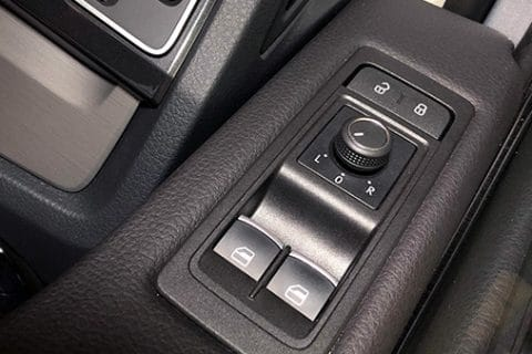 electric-windows-and-door-locks-reapare-at-McCormacks-Auto-Service